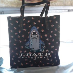 🎀COACH SHARK TOTE BAG 13 x 13. Like new